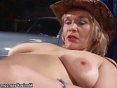granny Mature lesbian blonde