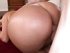 Big Boobs, Big Butts, MILF
