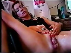 Mature squirting cunt