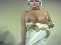 Big Boobs, Mature, Vintage
