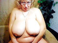Big mature on the webcam r20